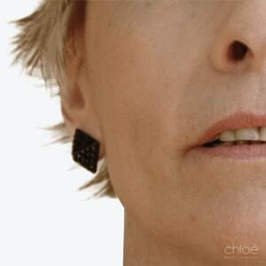 Remonter le visage sans chirurgie avec agents de comblement après Clinique Chloé
